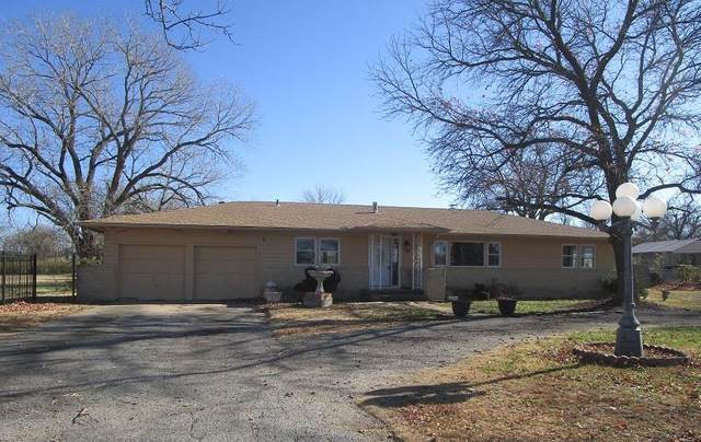 2710 N Fountain Ave, Wichita, KS 67220 (MLS #589697) :: Jamey & Liz Blubaugh Realtors
