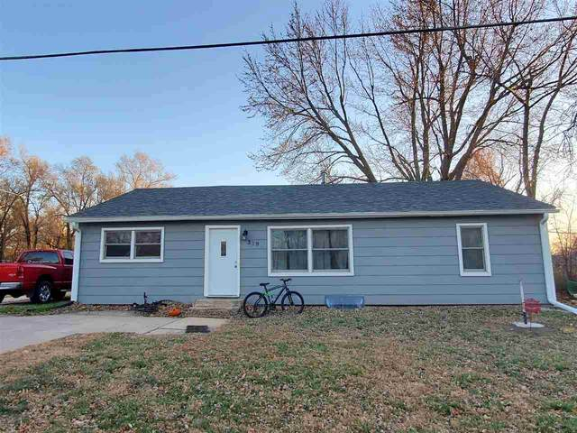 319 E Pine St, Hesston, KS 67062 (MLS #589775) :: On The Move