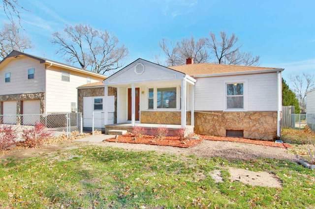 318 N Abilene Ave, Valley Center, KS 67147 (MLS #589791) :: Preister and Partners   Keller Williams Hometown Partners