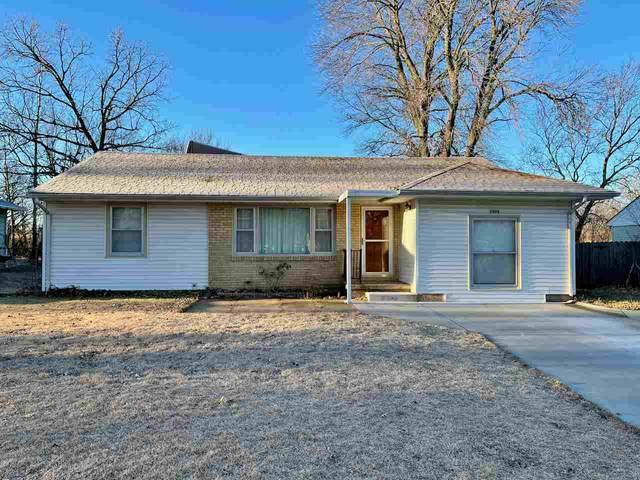 1425 Lawndale Ave, El Dorado, KS 67042 (MLS #589966) :: Kirk Short's Wichita Home Team
