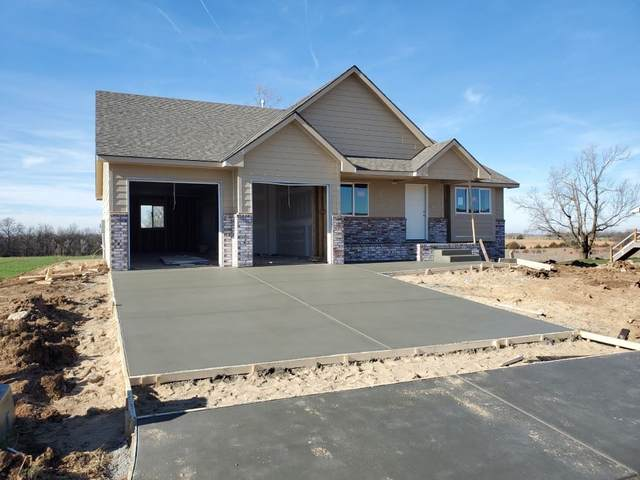 3031 N Susan Lane, Mulvane, KS 67110 (MLS #590129) :: The Boulevard Group