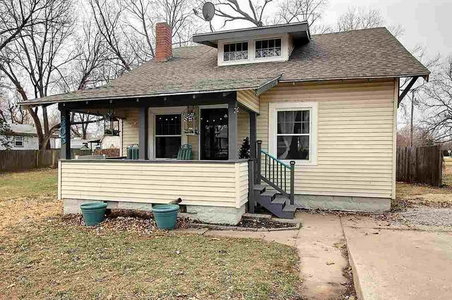 305 S King St., Maize, KS 67101 (MLS #590634) :: Kirk Short's Wichita Home Team