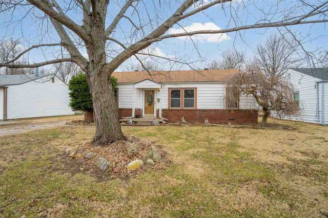 1045 N Baltimore Ave, Derby, KS 67037 (MLS #591380) :: Kirk Short's Wichita Home Team