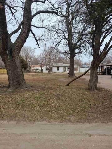 3418 N Fairview Ave, Wichita, KS 67204 (MLS #591444) :: Kirk Short's Wichita Home Team
