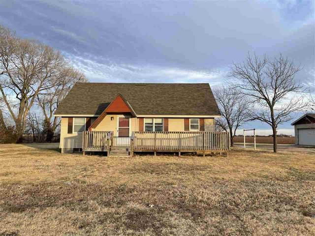 732 S Willow Lake Rd, Halstead, KS 67056 (MLS #591451) :: Preister and Partners | Keller Williams Hometown Partners