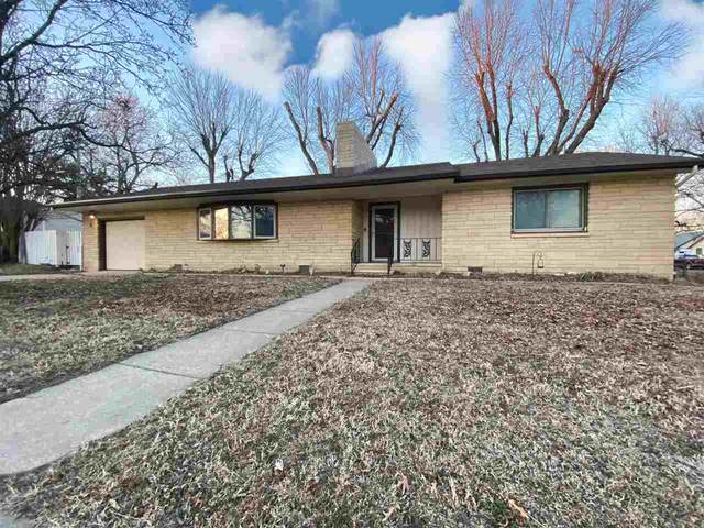 304 W Poplar Ave, Arkansas City, KS 67005 (MLS #591522) :: The Boulevard Group