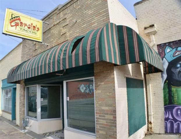 2138 N Market, Wichita, KS 67214 (MLS #591938) :: Jamey & Liz Blubaugh Realtors