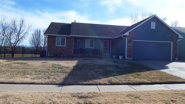 211 E Lockridge, Mulvane, KS 67110 (MLS #592561) :: The Boulevard Group