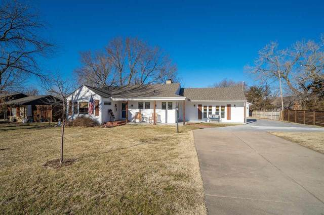 19 N Laurel Dr, Wichita, KS 67206 (MLS #592815) :: Jamey & Liz Blubaugh Realtors