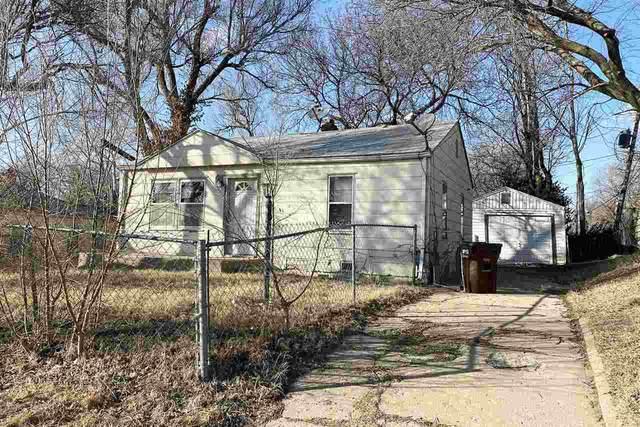 2704 E 14TH ST N, Wichita, KS 67214 (MLS #592824) :: Jamey & Liz Blubaugh Realtors