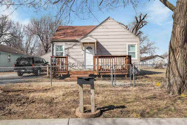 2547 N Waco Ave, Wichita, KS 67204 (MLS #592825) :: Keller Williams Hometown Partners