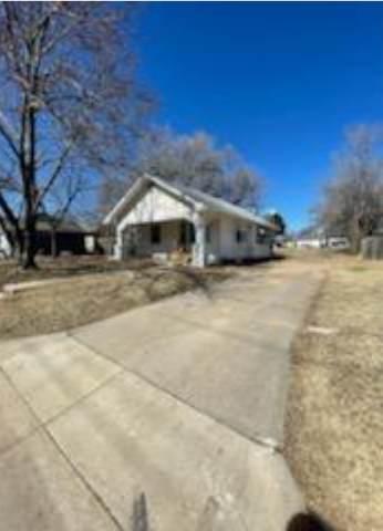 1422 W Pine Ave, El Dorado, KS 67042 (MLS #592830) :: Preister and Partners | Keller Williams Hometown Partners