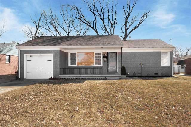 2224 S Fountain Ave, Wichita, KS 67218 (MLS #592838) :: Jamey & Liz Blubaugh Realtors