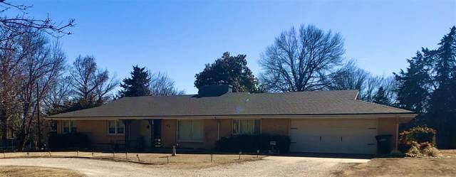 1 Eastridge Drive, Arkansas City, KS 67005 (MLS #592856) :: Jamey & Liz Blubaugh Realtors