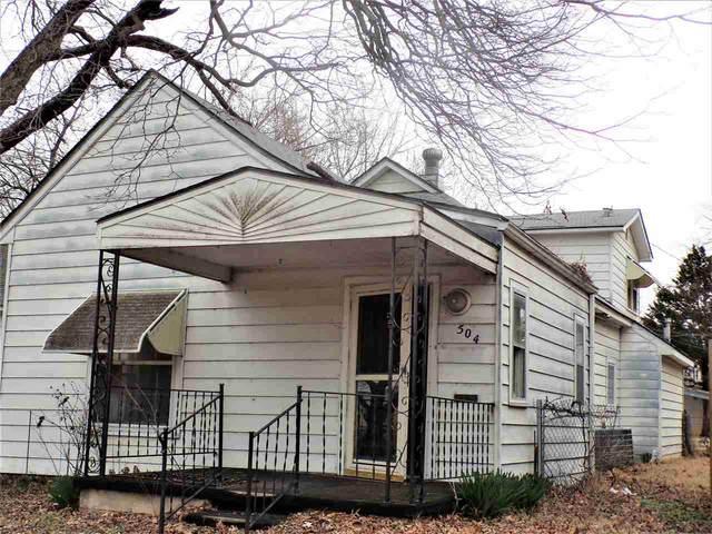 504 N A St, Arkansas City, KS 67005 (MLS #593558) :: The Boulevard Group