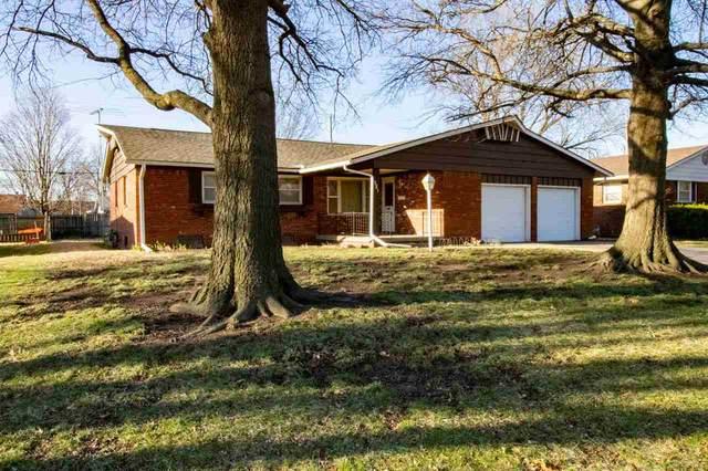8017 E Watson Ln, Wichita, KS 67207 (MLS #593653) :: The Boulevard Group