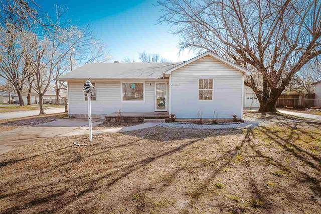 1126 N 9th St, Arkansas City, KS 67005 (MLS #593893) :: The Boulevard Group