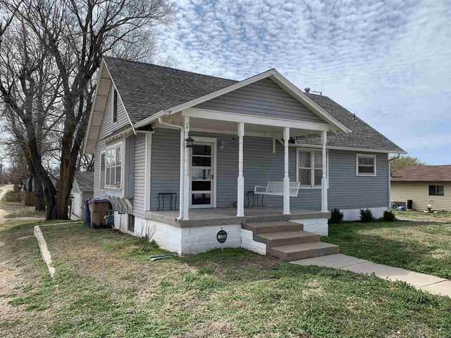 221 W H Ave, Kingman, KS 67068 (MLS #593906) :: COSH Real Estate Services