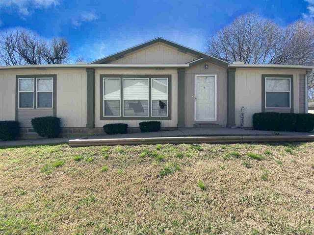 1530 N 5th St, Arkansas City, KS 67005 (MLS #593941) :: Kirk Short's Wichita Home Team