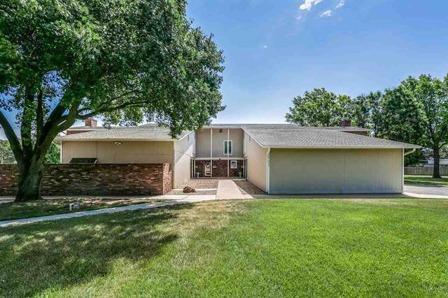 2222 Dover Dr, Hutchinson, KS 67502 (MLS #593982) :: The Boulevard Group