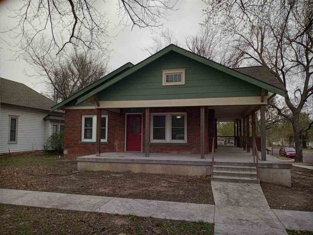 702 N 4th St, Arkansas City, KS 67005 (MLS #594348) :: The Boulevard Group