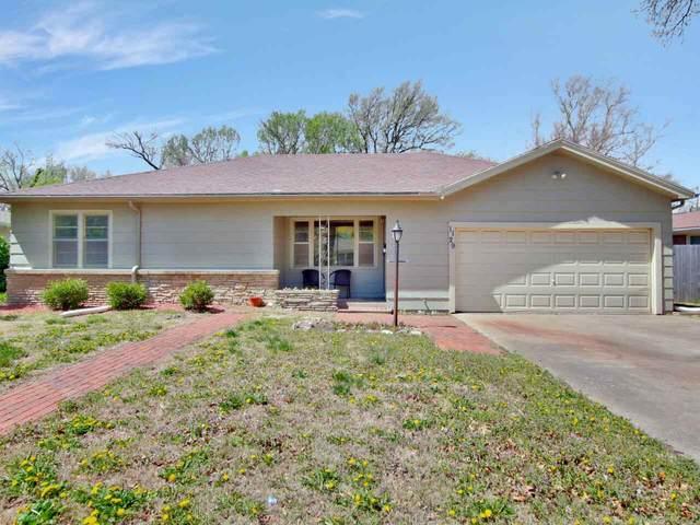 1129 N Parkwood Lane, Wichita, KS 67208 (MLS #594417) :: Keller Williams Hometown Partners