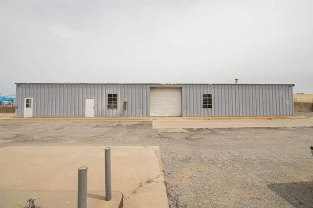 702 E C Ave, Kingman, KS 67068 (MLS #594696) :: Kirk Short's Wichita Home Team