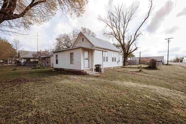 1126 S 2nd St, Arkansas City, KS 67005 (MLS #594848) :: Preister and Partners | Keller Williams Hometown Partners