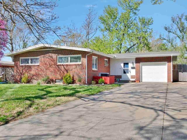 825 N Caddy Ln, Wichita, KS 67212 (MLS #594975) :: The Boulevard Group