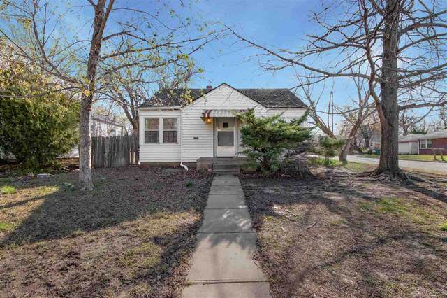 1102 N Terrace Dr, Wichita, KS 67208 (MLS #595108) :: COSH Real Estate Services
