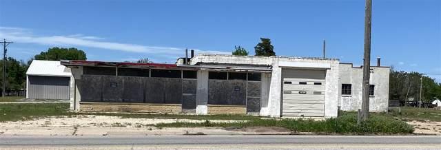 1002 W Madison, Arkansas City, KS 67005 (MLS #595359) :: Pinnacle Realty Group