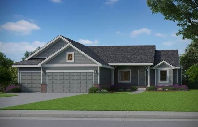 2601 S Lark Lane, Wichita, KS 67215 (MLS #595482) :: Keller Williams Hometown Partners