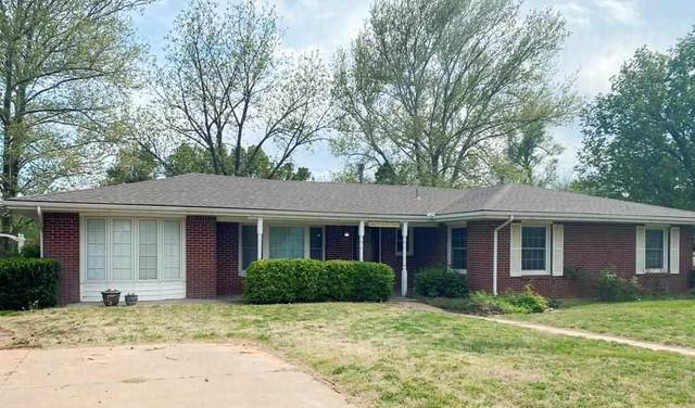 411 W Second St, Medicine Lodge, KS 67104 (MLS #595584) :: Kirk Short's Wichita Home Team