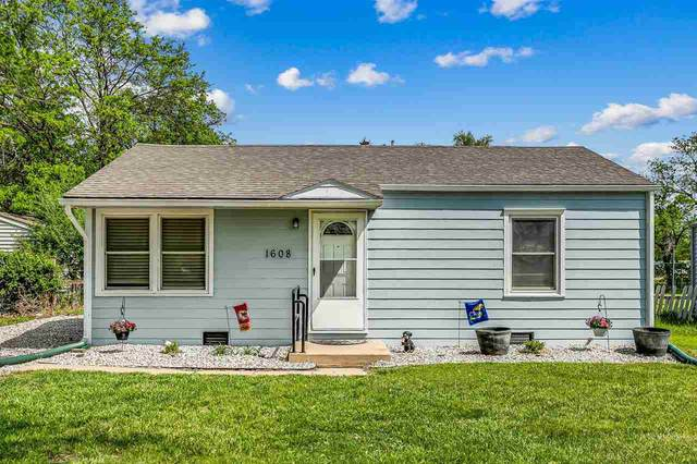 1608 E 5th Ave, Hutchinson, KS 67501 (MLS #595594) :: COSH Real Estate Services