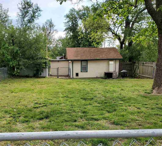 714 W Kansas Ave., Arkansas City, KS 67005 (MLS #595781) :: Kirk Short's Wichita Home Team