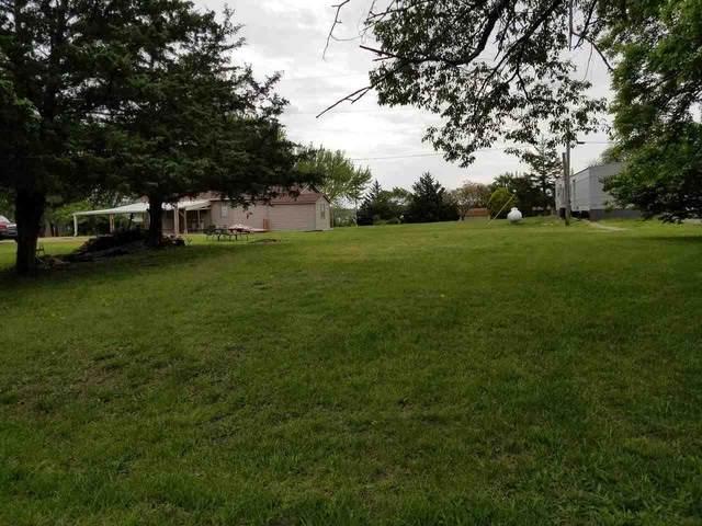 257 W Lake Crest Rd, Toronto, KS 66777 (MLS #595894) :: COSH Real Estate Services