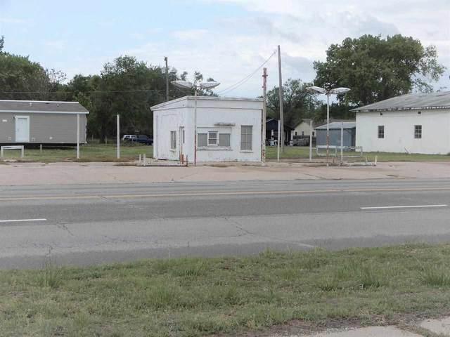 1501 S Summit Street, Arkansas City, KS 67005 (MLS #595933) :: Pinnacle Realty Group