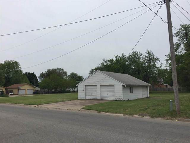 1401 W 5th St, Newton, KS 67114 (MLS #596008) :: Keller Williams Hometown Partners