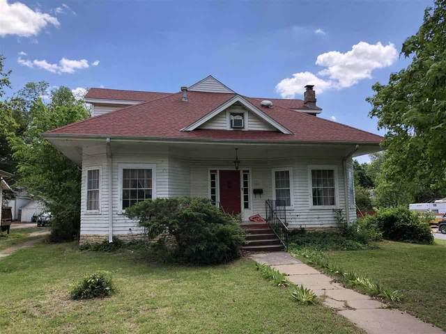 1401 E 5th Ave, Winfield, KS 67156 (MLS #596266) :: Kirk Short's Wichita Home Team