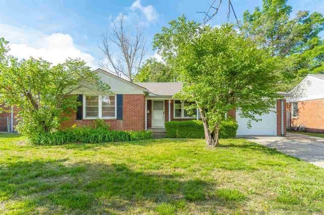 6121 E Oakwood Dr, Wichita, KS 67208 (MLS #596307) :: The Boulevard Group