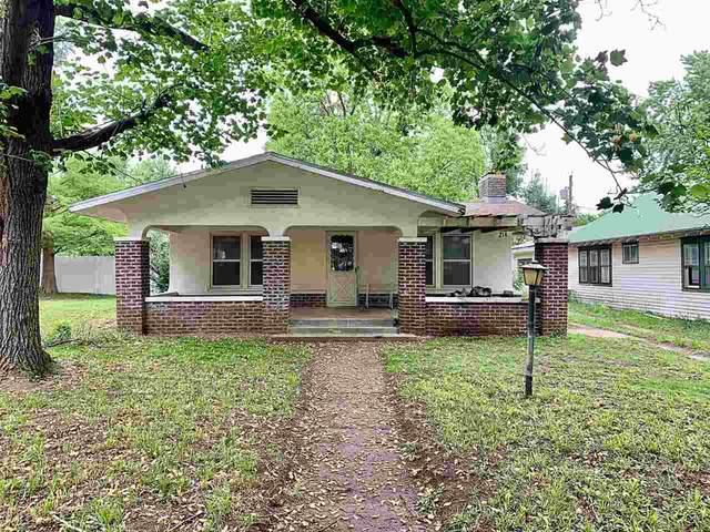 214 W Linden Ave, Arkansas City, KS 67005 (MLS #596526) :: Kirk Short's Wichita Home Team