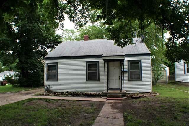 1304 Dearborn St, Augusta, KS 67010 (MLS #596656) :: Graham Realtors