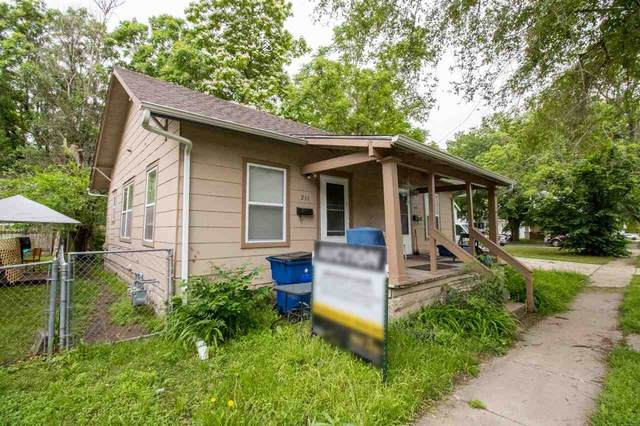 211 W Morris St, Wichita, KS 67213 (MLS #596772) :: COSH Real Estate Services