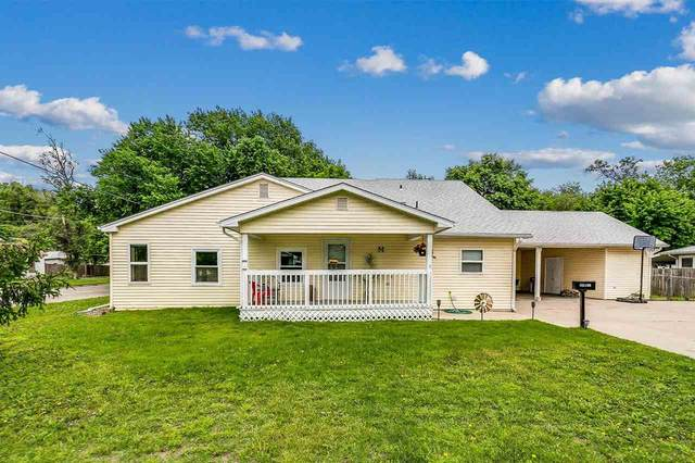 325 W 2nd St, Valley Center, KS 67147 (MLS #596798) :: COSH Real Estate Services