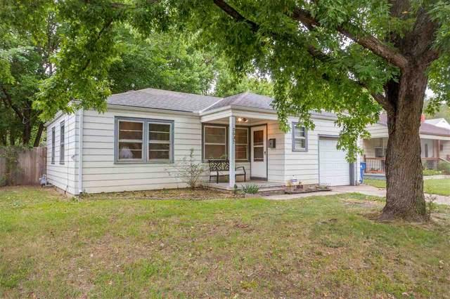 2537 S Greenwood Ave, Wichita, KS 67216 (MLS #597088) :: COSH Real Estate Services