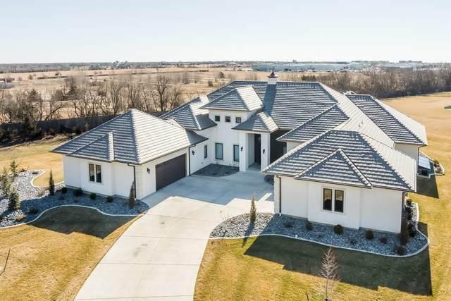 10711 E Summerfield Circle, Wichita, KS 67206 (MLS #597515) :: Keller Williams Hometown Partners