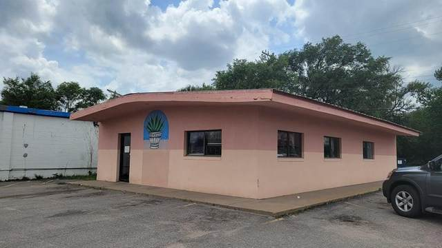 3351-3357 N Broadway Ave, Wichita, KS 67209 (MLS #597621) :: COSH Real Estate Services