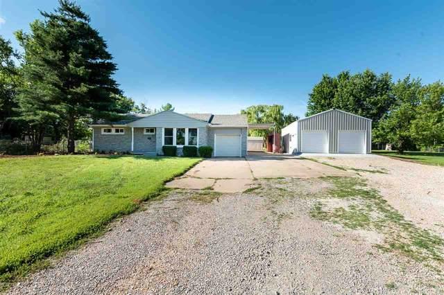 3317 E Navajo Ln, Wichita, KS 67216 (MLS #597643) :: Kirk Short's Wichita Home Team
