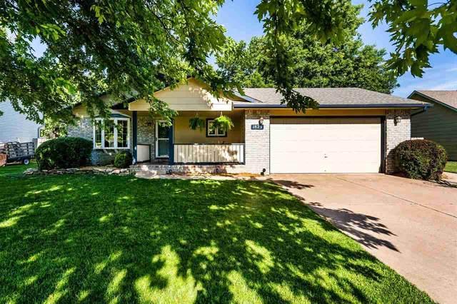 1823 N Redbarn Ln, Wichita, KS 67212 (MLS #597645) :: COSH Real Estate Services