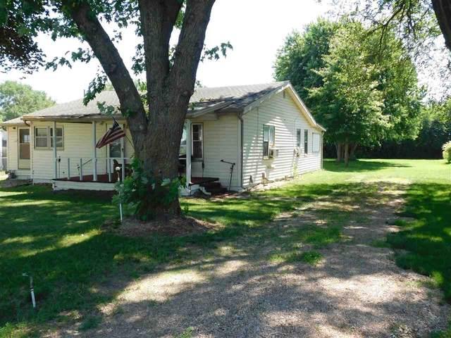 5828 N Seneca, Valley Center, KS 67204 (MLS #597697) :: COSH Real Estate Services